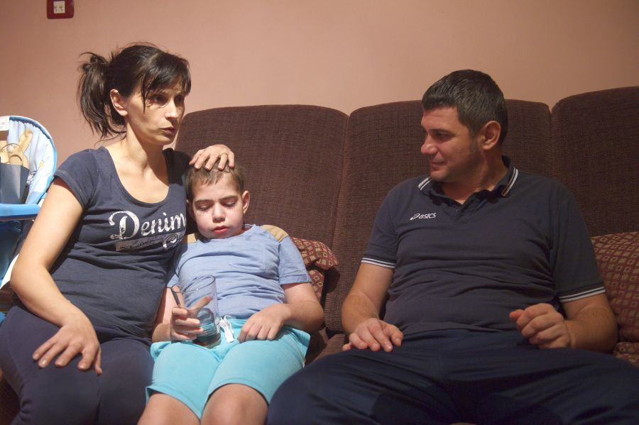 Ionela, Denis şi Cosmin, cu puţin timp în urmă, când analizele din Franţa le dădeau speranţe