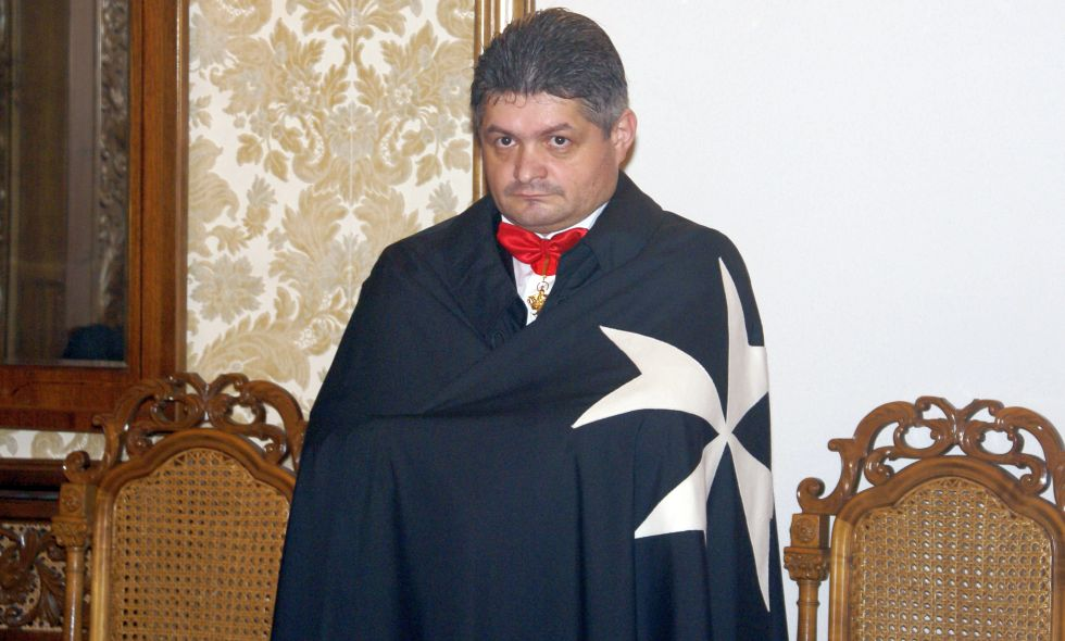 """Secureanu, la ceremonia în care a fost """"uns"""" Cavaler de Malta"""