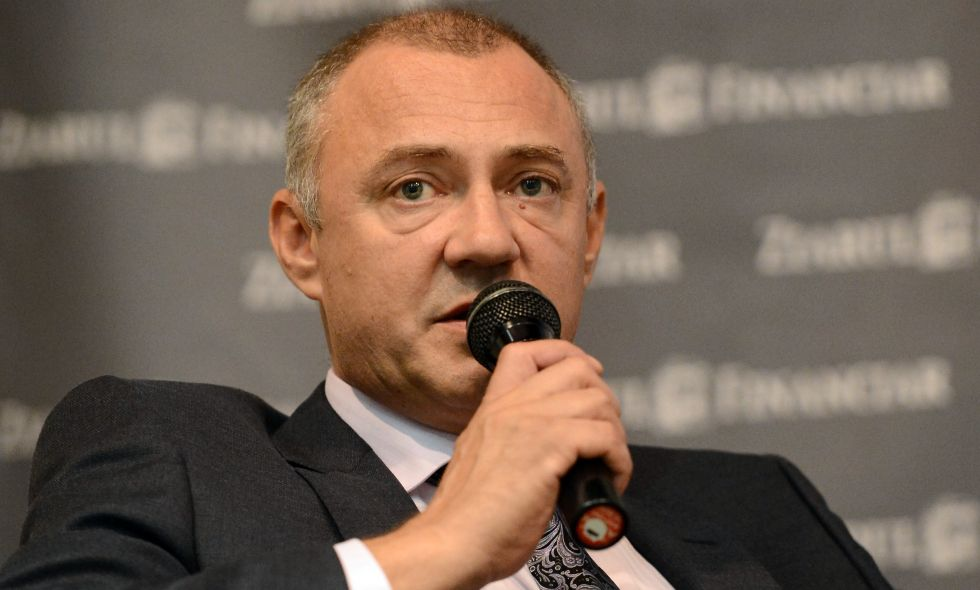 Dialog cu Iulian Trandafir (foto sus), directorul general al Farmexpert, al doilea angrosist al țării.
