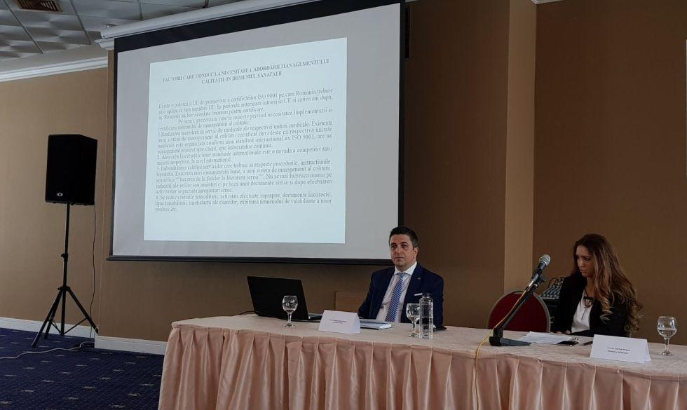 Mihai Constantinescu (stânga) la lansarea proiectului care e posibil să-l coste
