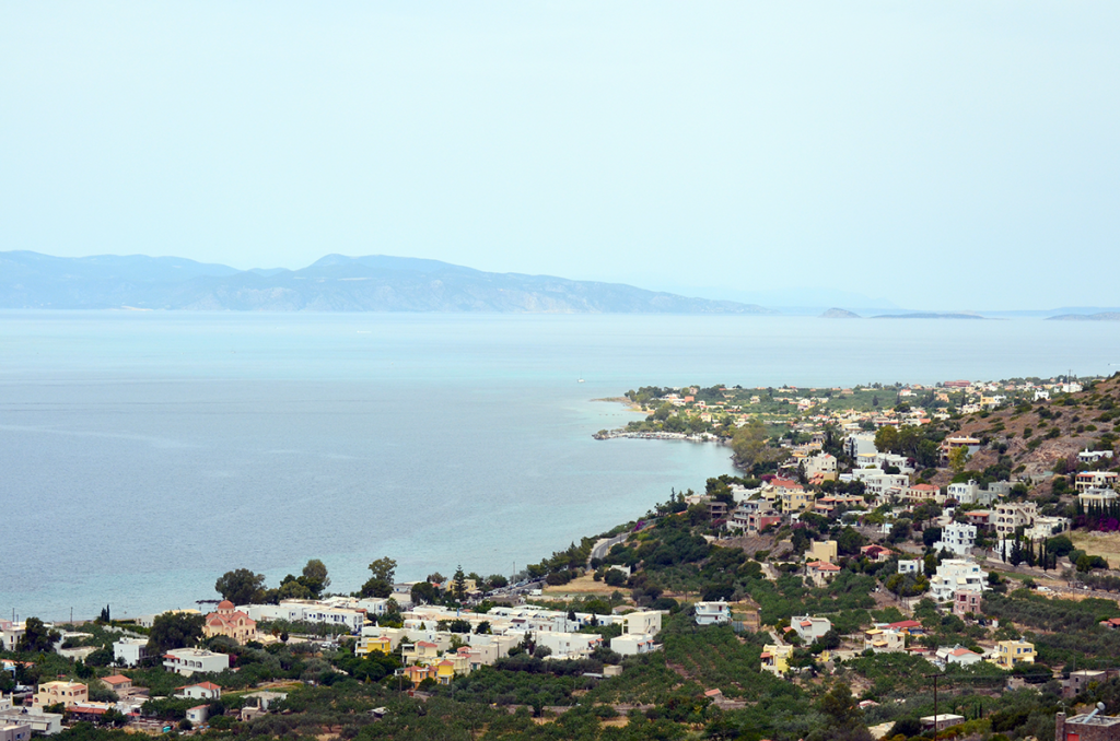 Insula Eghina, unde Libertatea l-a fotografiat pe Marian Goleac, este la 12 mile marine (20 de kilometri) de Atena