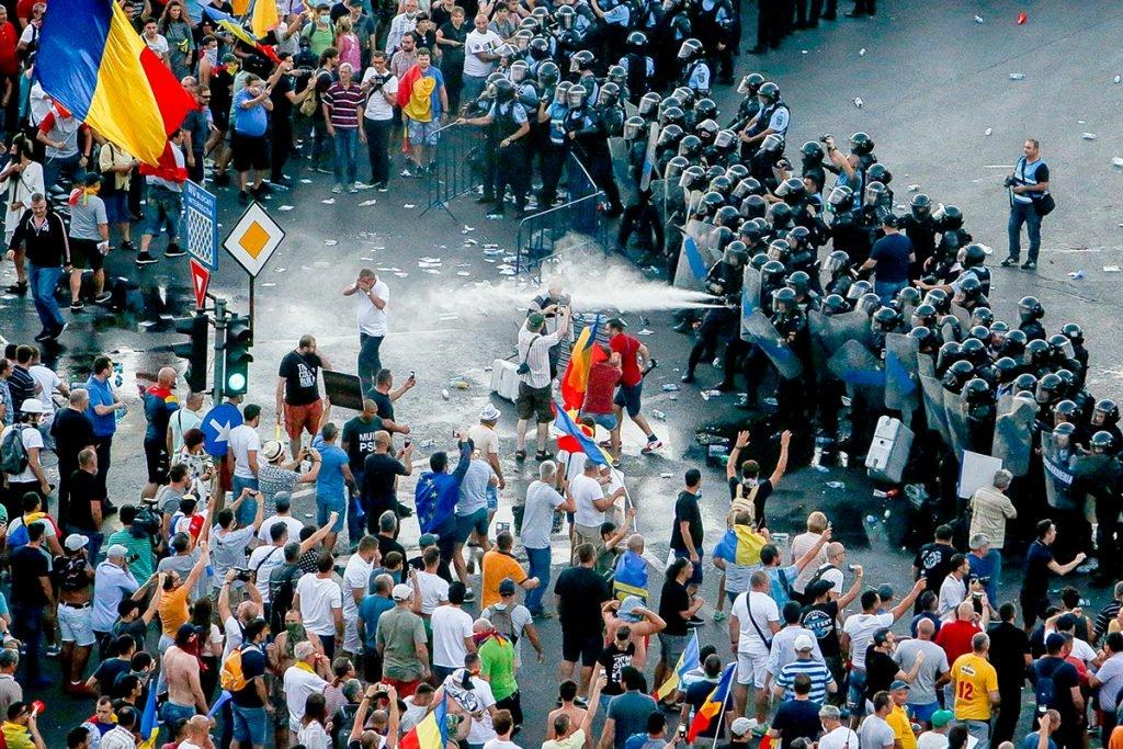 Protestul din 10 august, soldat cu violențe de stradă   Foto: Inquam Photos