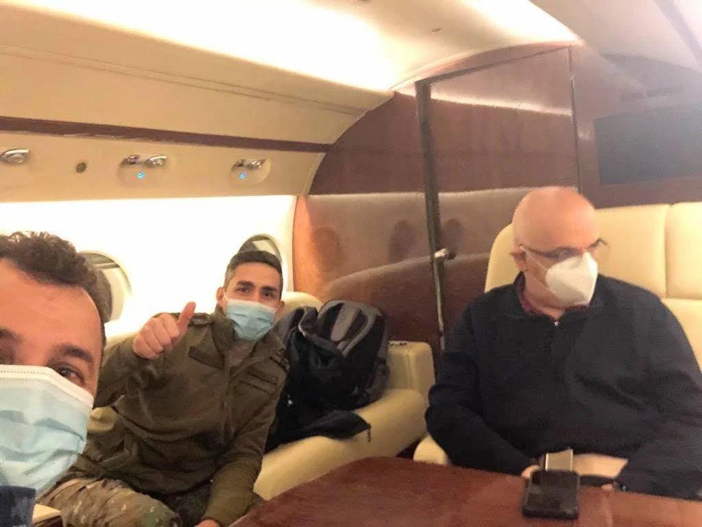 Valeriu Gheorghiță, alături de Raed Arafat și Constantin Spînu, șeful Direcţiei informare şi relaţii publice – MApN Citeşte întreaga ştire: Tolo: Cam multă paradă de uniforme și declarații pentru un vaccin de a cărui nevoie vitală trebuie să fie convinși milioane de oameni obișnuiți
