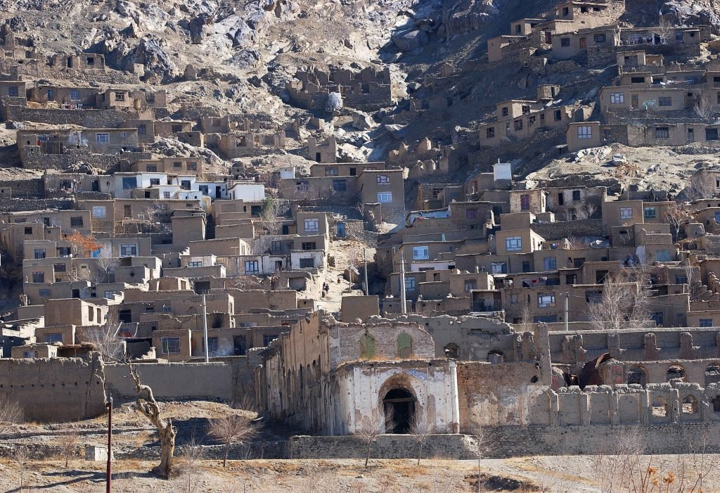 Ianuarie 2002: unul dintre cartierele tradiționale din Kabul, la o lună după ce talibanii au pierdut puterea. Foto: Cristi Preda